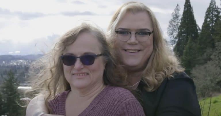 Lacey et Cindy de Love Don't Judge