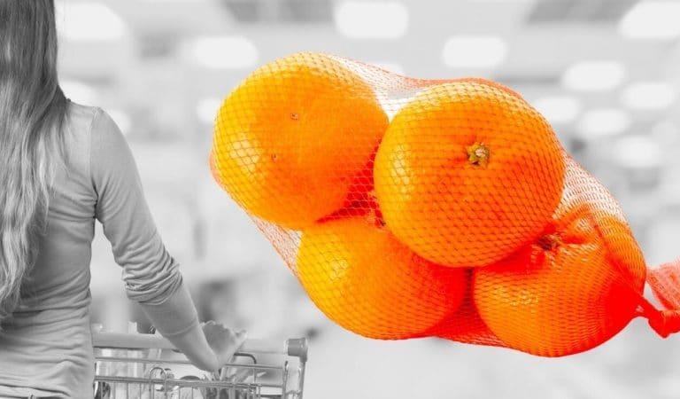 Pourquoi les oranges sont-elles vendues dans des filets rouges ?