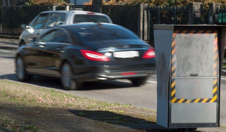 207 km/h au lieu de 100 : un jeune conducteur ivre se fait flasher avec la voiture des parents
