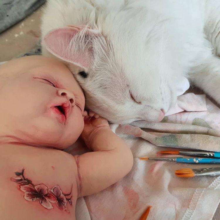 Un bébé tatoué de Ronit Baranga
