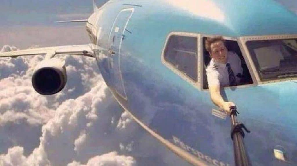selfie pilote avion fake