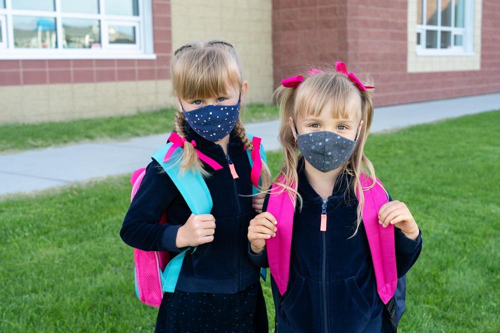 écolières masquées
