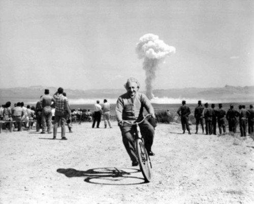 Einstein qui fait du vélo nucléaire Santa Barbara en 1933
