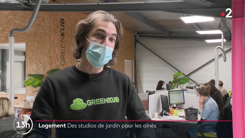 un employé de greenkub