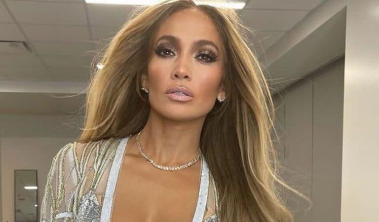 A 51 ans, Jennifer Lopez affole la Toile dans une tenue moulante