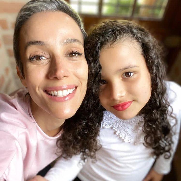 Karla Tenorio avec sa fille