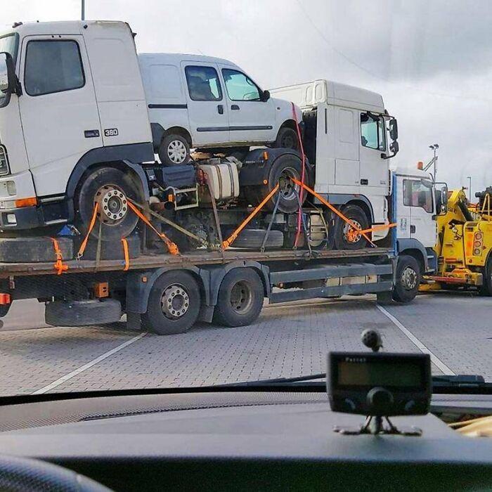 un chargement dangereux sur un camion