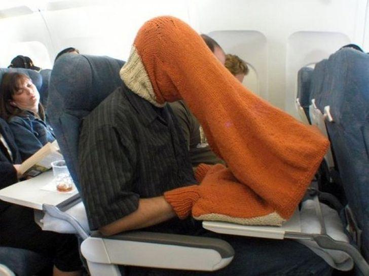 Un passager étrange dans un avion