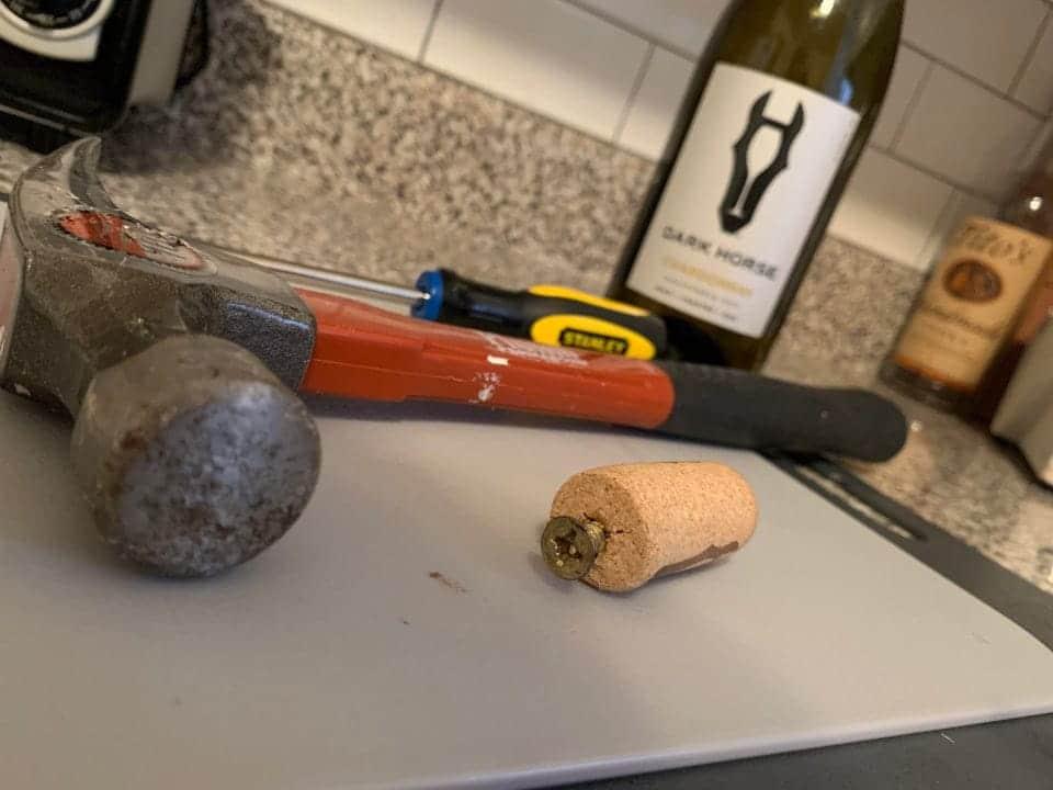 Une astuce pour remplacer un tire bouchon