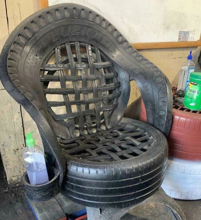 un siège en pneus goodyear