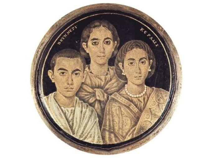 un ancien portrait de famille romain