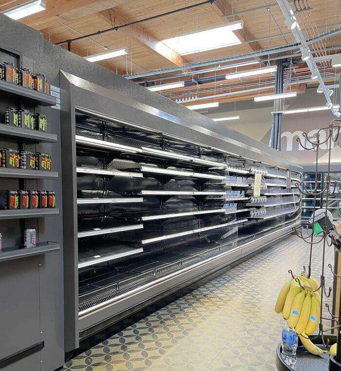 étagères vides des supermarchés