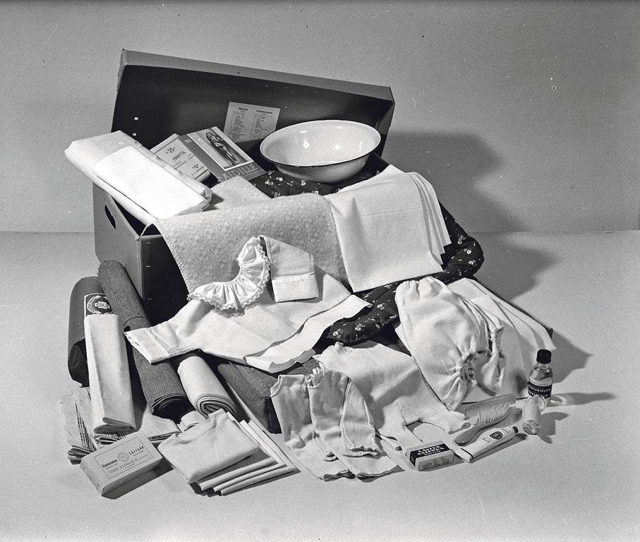 une vieille valise de maternité