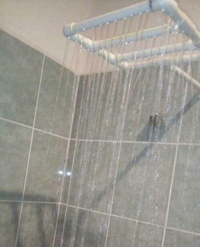 un système de douche fabriqué