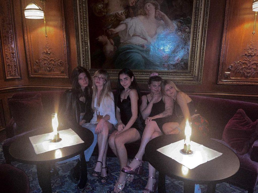 Louane et ses copines