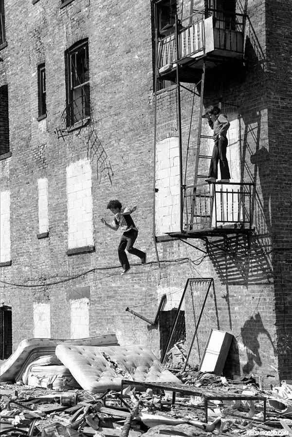 Des jeunes qui jouent en 1979 à New York