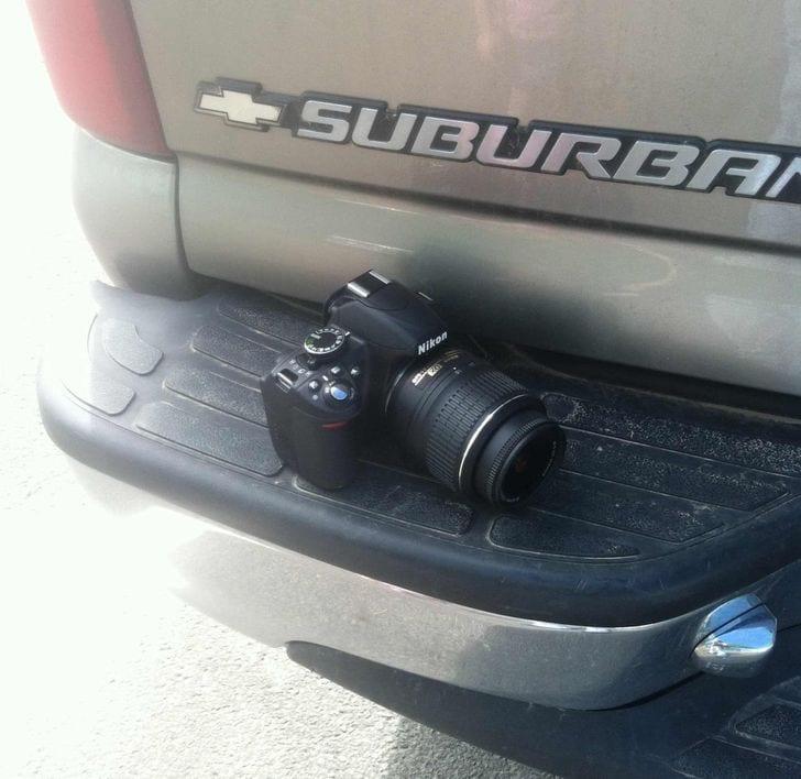 une caméra sur une voiture