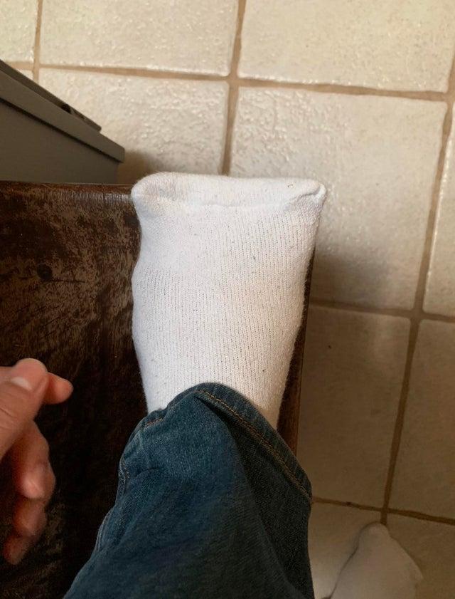 chaussettes mal coupées