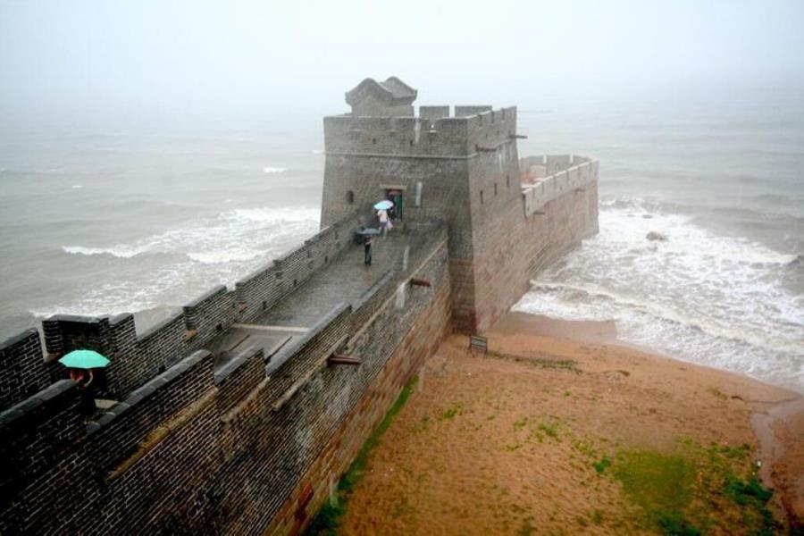 le début de la grande muraille de chine