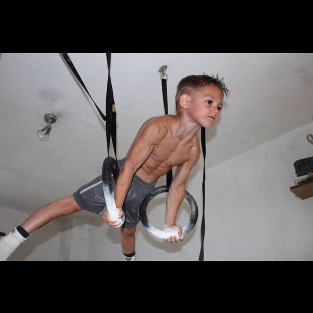 Giuliano Stroe, bodybuilder enfant