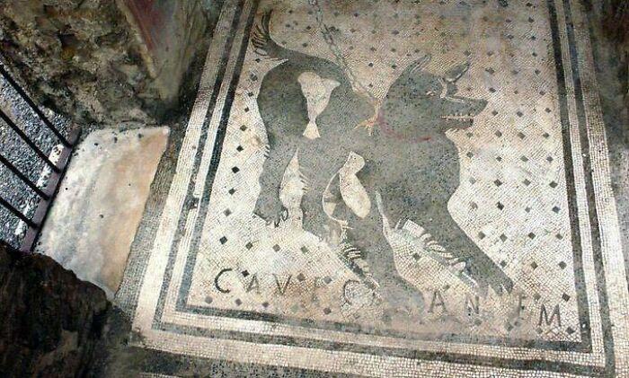 une mosaïque à Pompéi