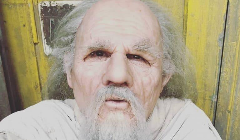 Le père Fouras (Fort Boyard) montre son visage sans maquillage