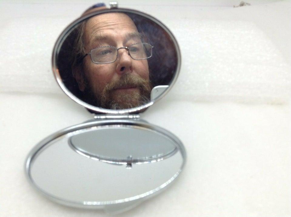 un miroir de poche