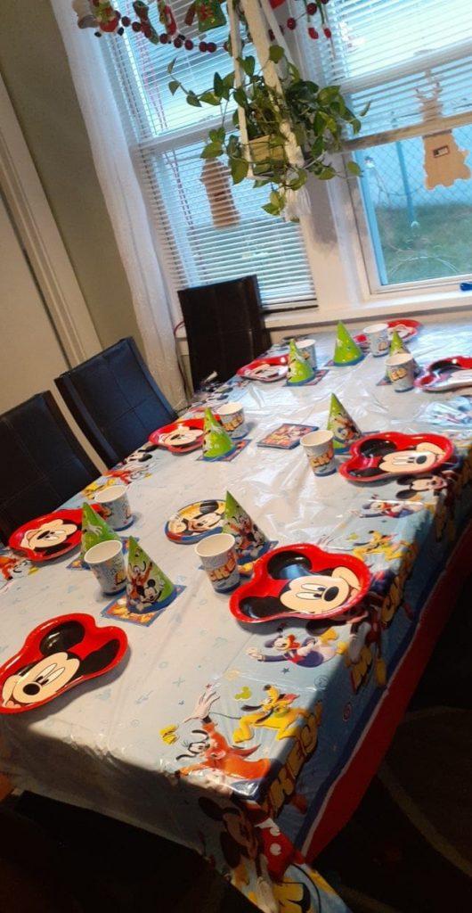 une table d'anniversaire