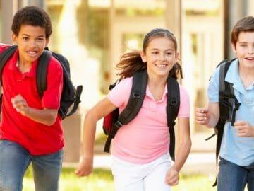 des écoliers en vacances scolaires