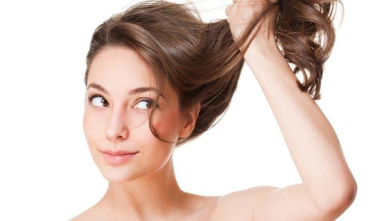 Pourquoi nos cheveux poussent-ils sur la tête et pas ailleurs ?