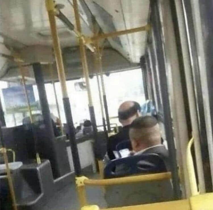 les passagers d'un bus