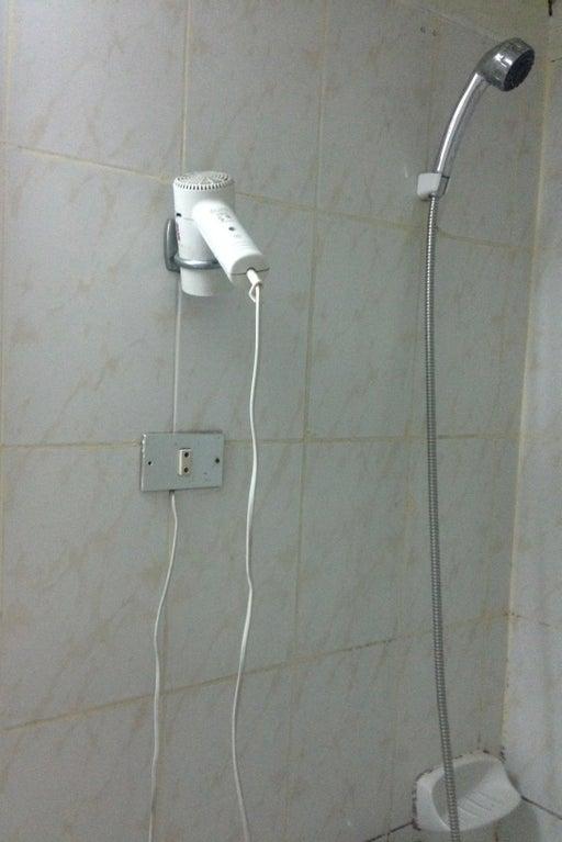 une douche à l'hôtel