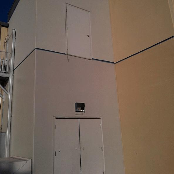 une porte sans escalier