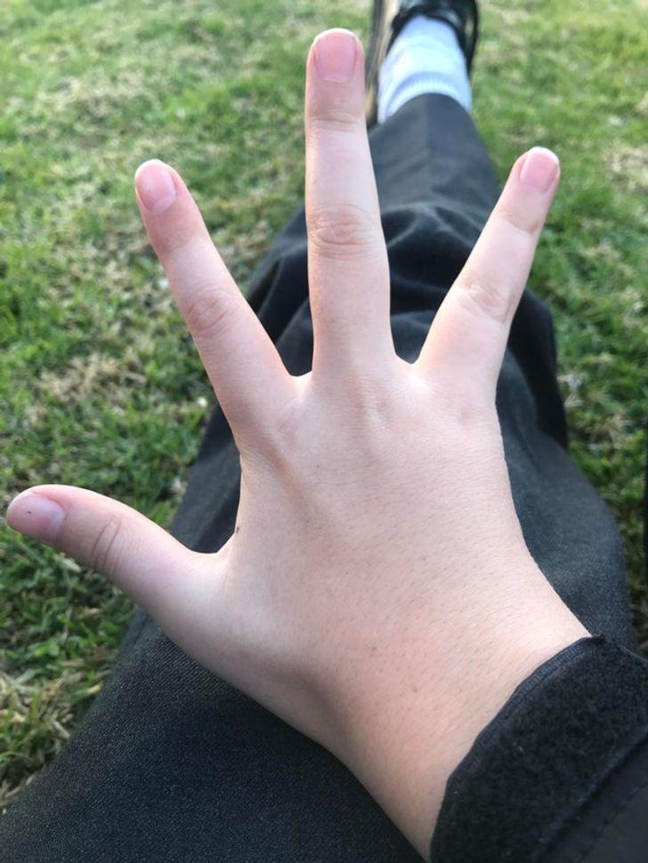 quatre-doigts-photo-réelle