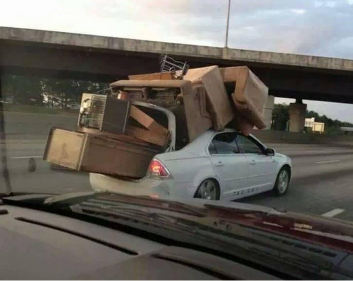 déménagement-voiture-comportement-illogique