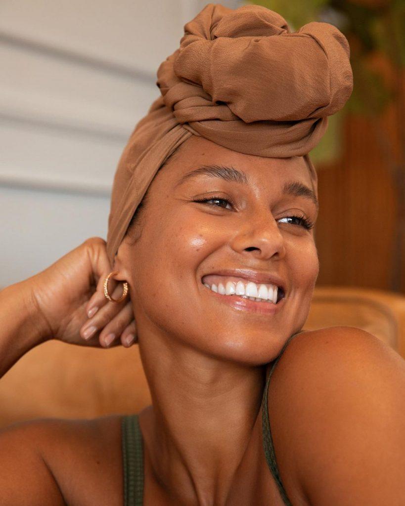 Stars: Alicia Keys sans maquillage
