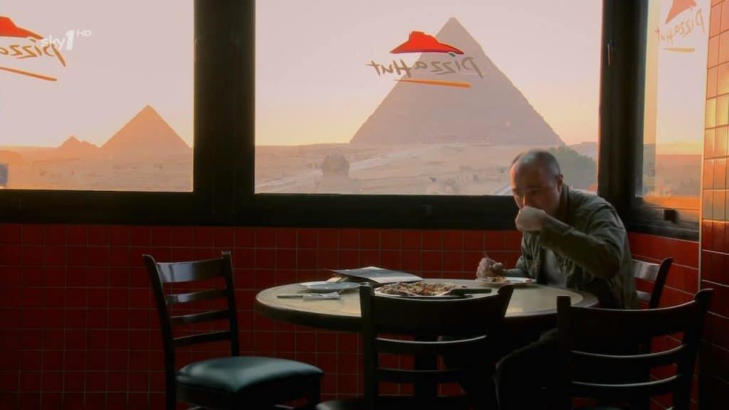 pyramides-vues-sous-un-angle-different