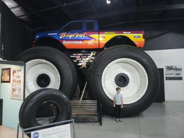 bigfoot-truck-things