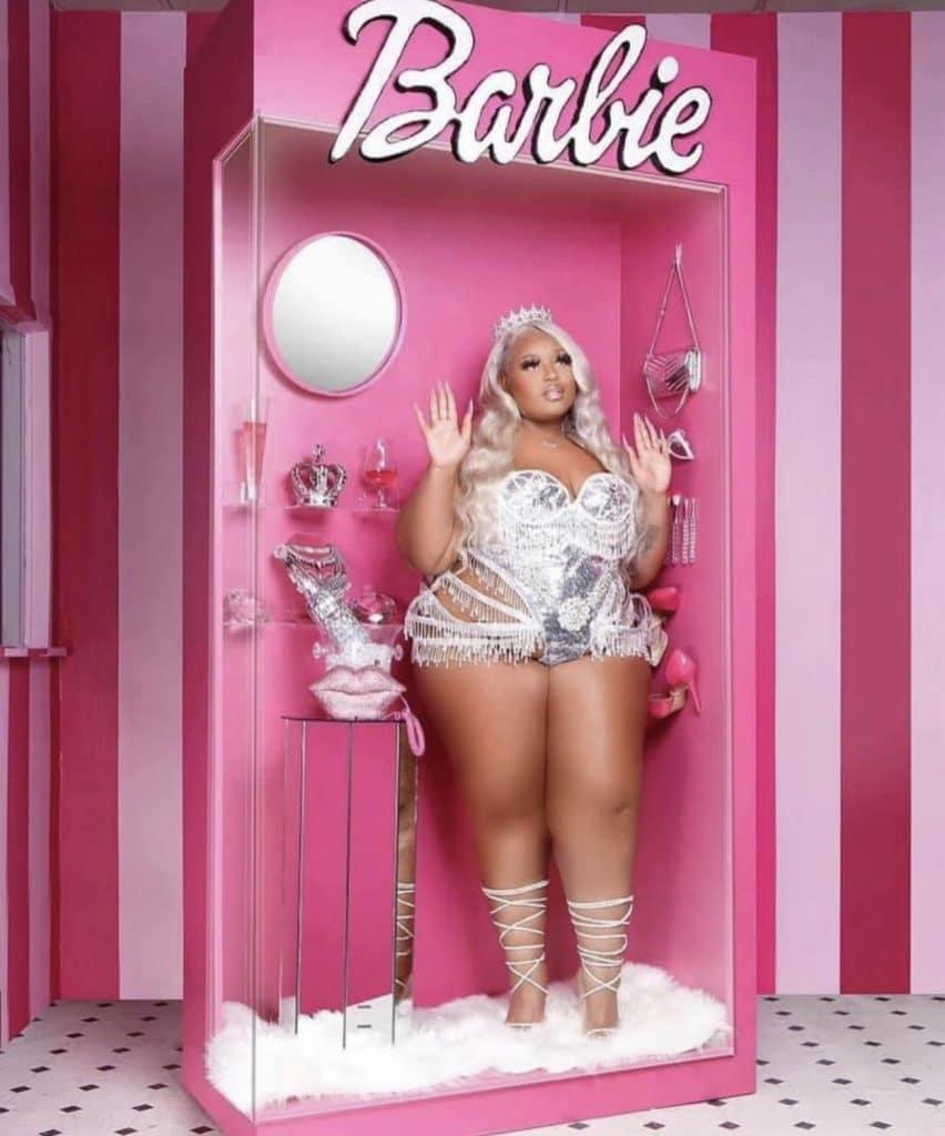 genoux-barbie-photoshop