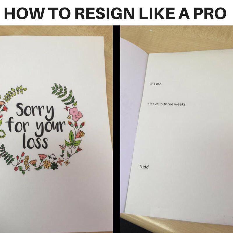 lettre de démission sur une carte