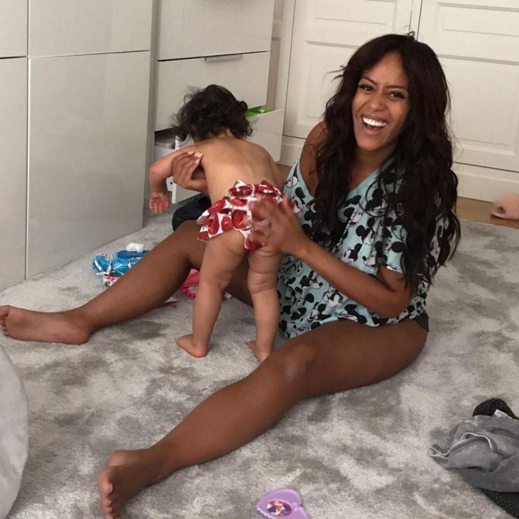 Amel Bent avec sa fille