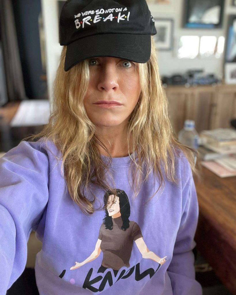 Jennifer Aniston fait la promotion de la collection Friends