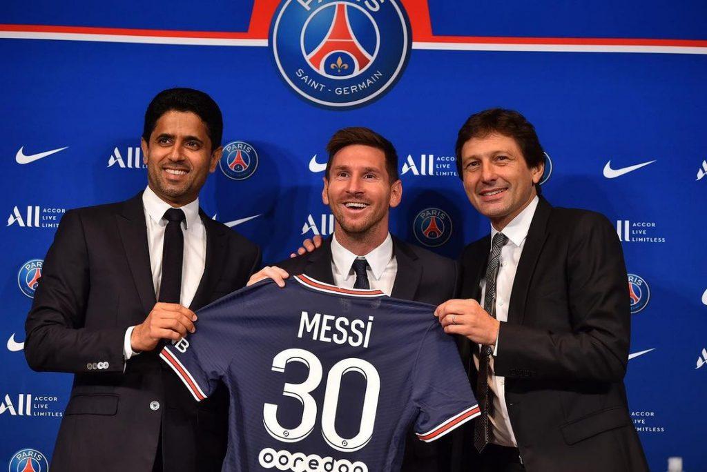 Lionel Messi signe au PSG