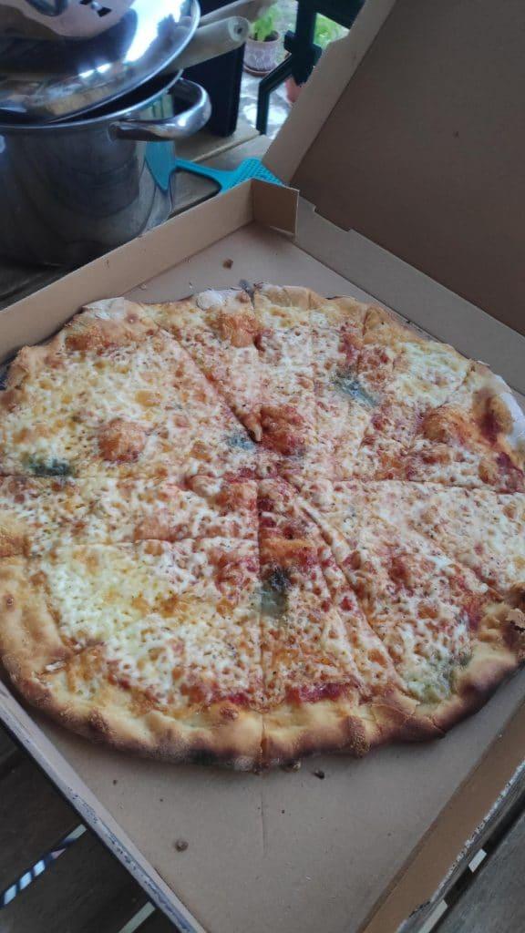 Pizza tranchée différemment