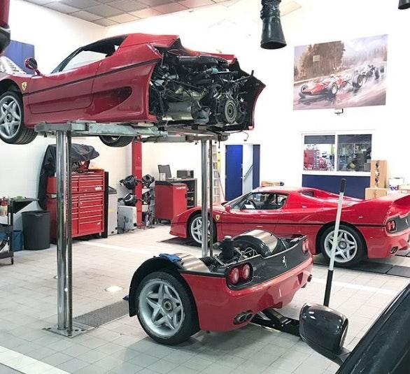 Une Ferrari F50