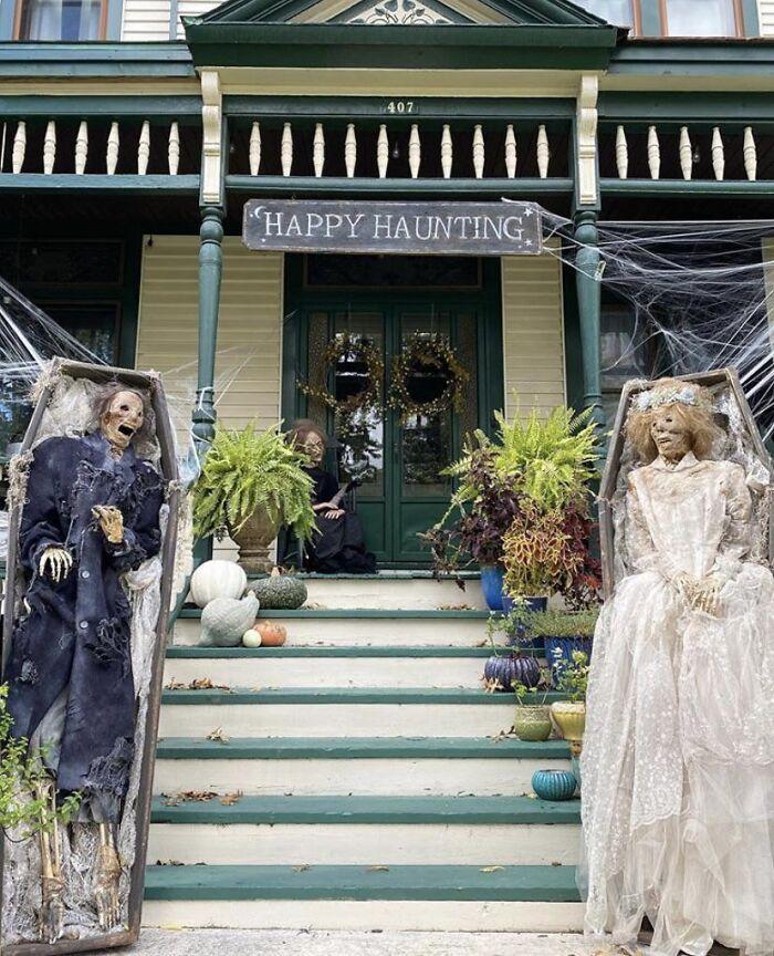 Décoration extérieure mariage de zombie